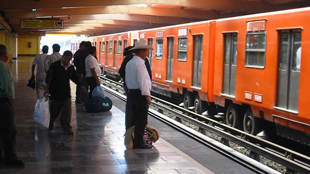 Messico, trasporto pubblico gratis per chi fa 10 squat