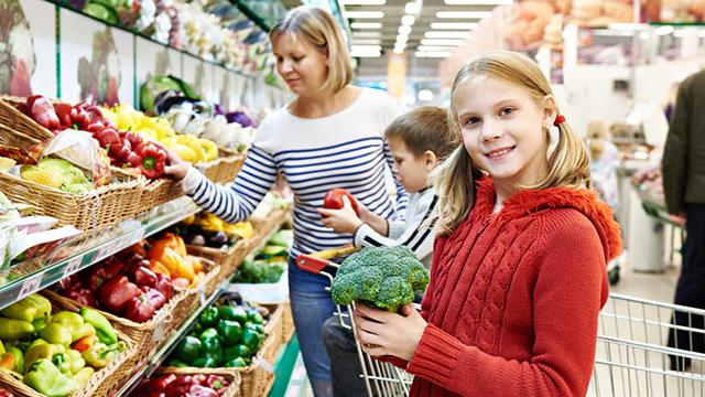 Broccolo è una verdura di stagione che previene l'invecchiamento cutaneo