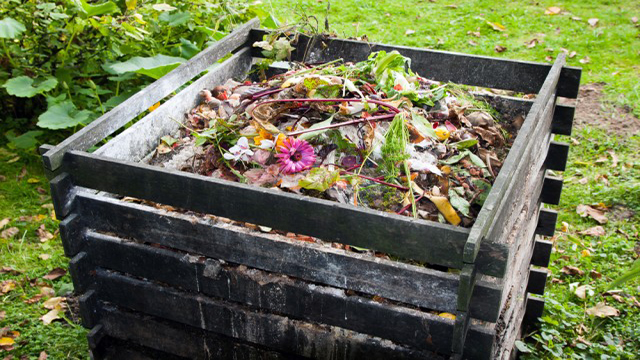 compostiera fai da te in legno naturale