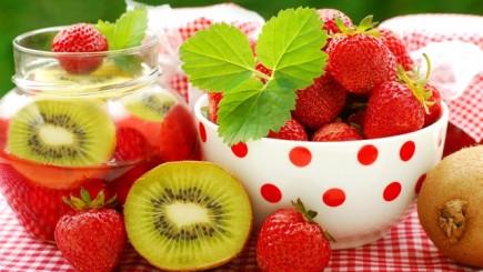 Frutta di stagione di aprile - usi