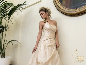 abito da sposa in seta biologica su misura