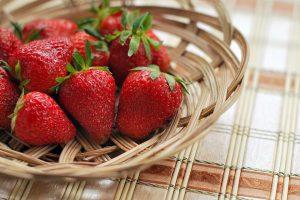 fragole frutta di stagione di maggio