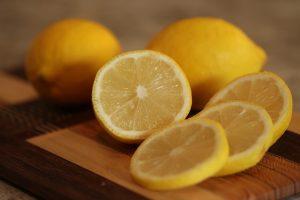 limone frutta di stagione di maggio