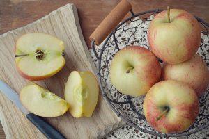 mele frutta di stagione di maggio