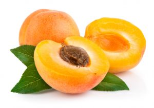 albicocche frutta di stagione del mese di giugno