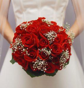 bouquet da sposa fiori di stagione rose