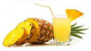 centrifugato tropicale ananas per l'estate
