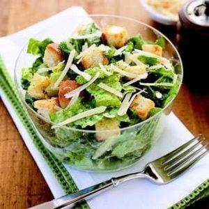 Cesar Salad insalate estive verdura di stagione