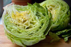 insalata iceberg verdure di stagione di luglio