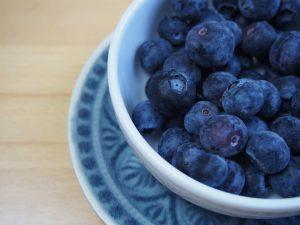 mirtilli frutta di stagione di giugno