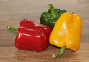 verdura di stagione di agosto, i peperoni