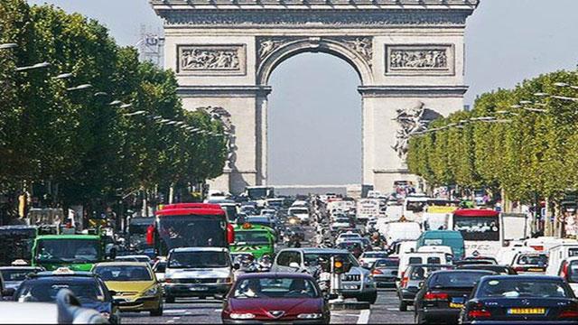 parigi stop alle auto vecchie
