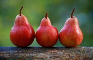 pere frutta di stagione di agosto