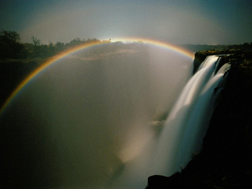 arcobaleno lunare-10 fenomeni naturali più belli del mondo