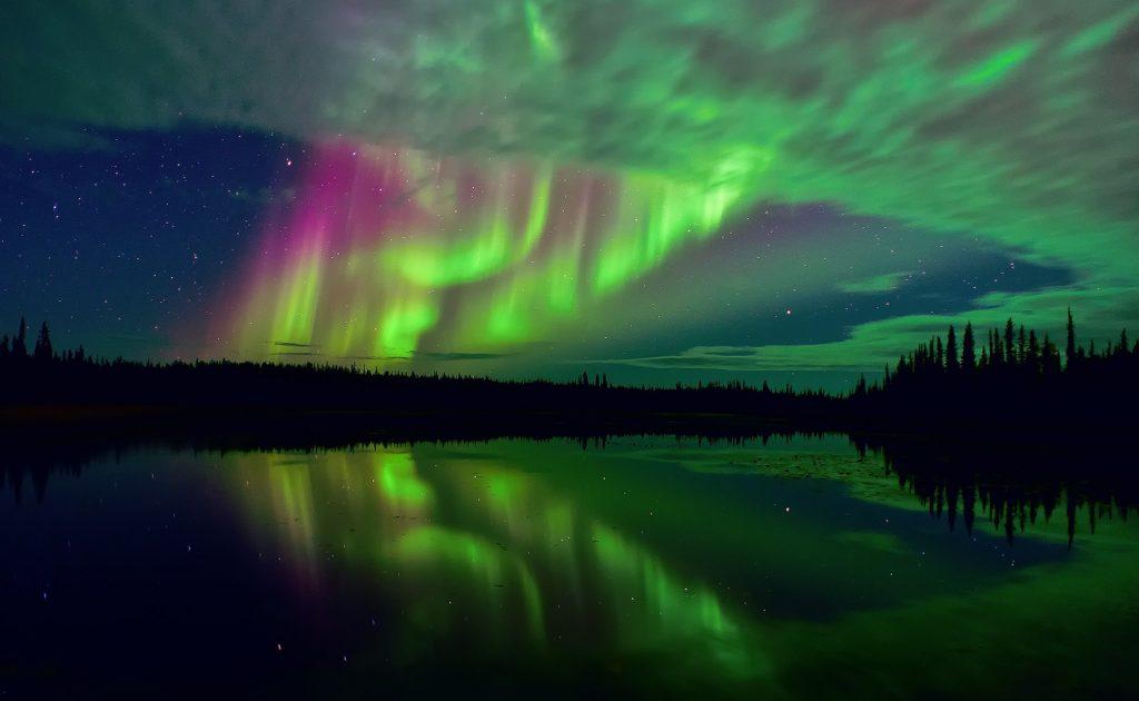 aurora boreale 10 fenomeni naturali più belli del mondo