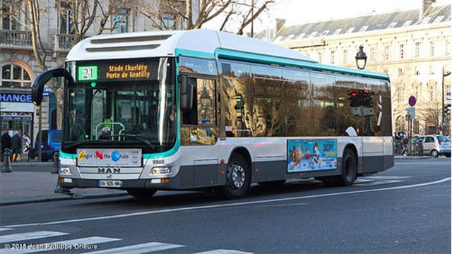 mobilità sostenibile parigi viaggia gratis su bus chi lascia a casa l'auto