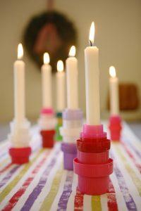 riciclo tappi di plastica, porta candele