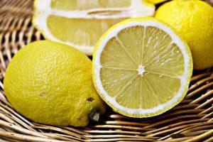 limoni frutta di stagione di ottobre