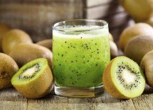 ricetta con estrattore con kiwi e pera