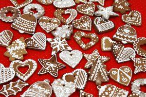 biscotti con pan di zenzero decorazioni albero di natale