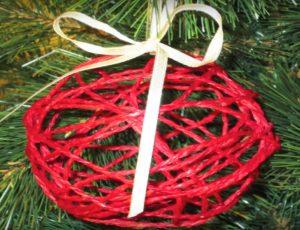 Lavoretti Di Natale Con Colla Vinilica.10 Decorazioni Natalizie Per L Albero Di Natale Fai Da Te
