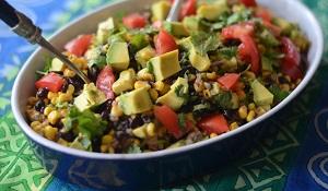 insalata con fagioli neri e avocado