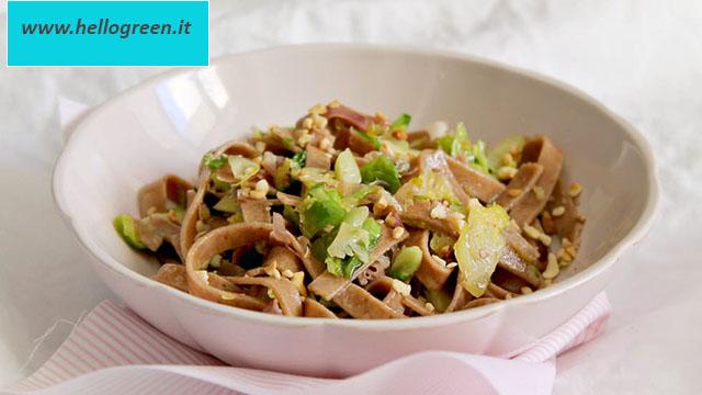 ricetta tagliatelle farina di ceci e pesto di basilico e lime