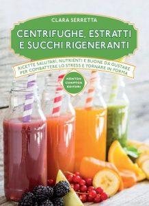 libro di ricette di centrifugati con frutta e verdura