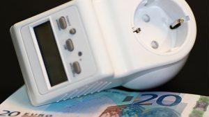 scopri come fare il calcolo del consumo elettrico della tua abitazione