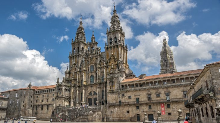 cattedrale di santiago di compostela qual é la sua storia