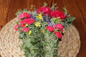 mazzo di fiori piante aromatiche
