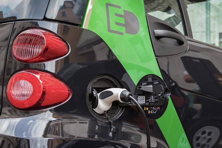 Consumo auto elettrica emissioni CO2