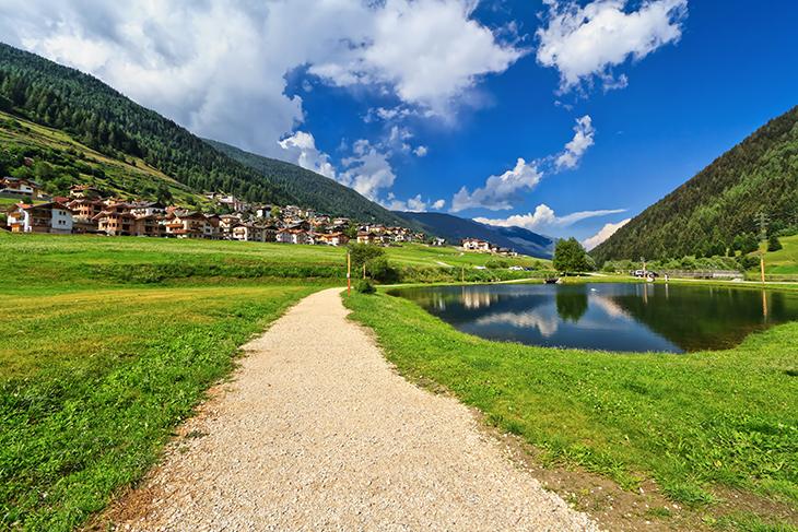 Val di sole lago e montagna soggiorni estivi