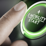 E-mobility, la mobilità del futuro: 1 auto su 2 sarà elettrica entro il 2032