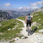 Percorsi in mountain bike: 10 itinerari per pedalare in montagna