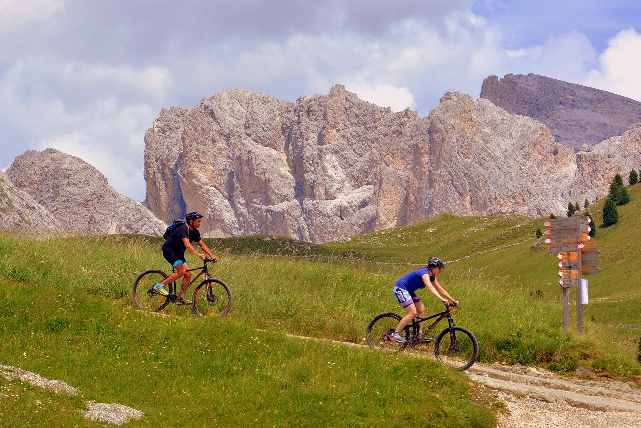 percorsi in mountain bike in montagna