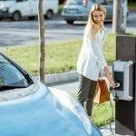 Nelle città che incentivano la mobilità elettrica la qualità dell'aria è migliore